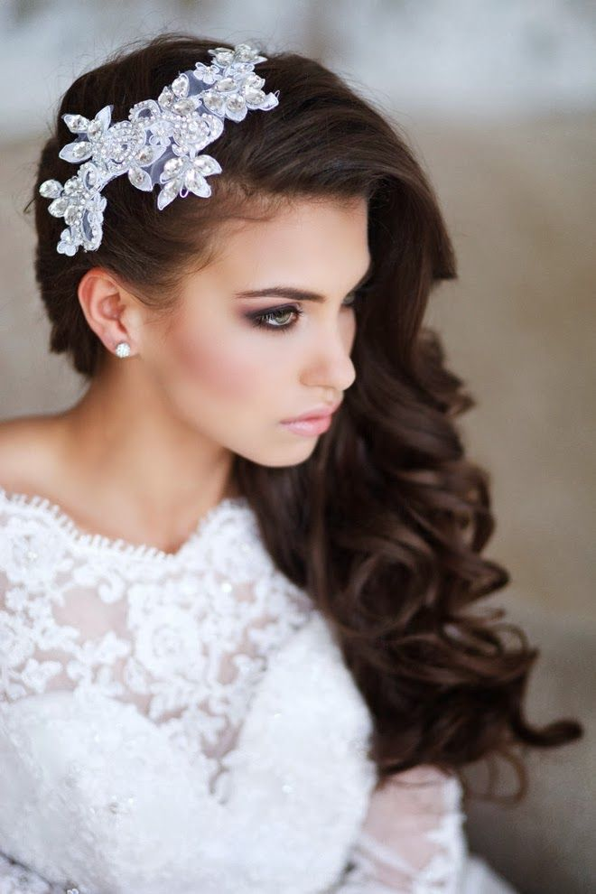 Wedding makeup and hairstyle