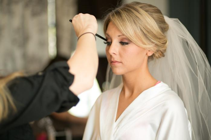 8 essential questions for your wedding hairdresser