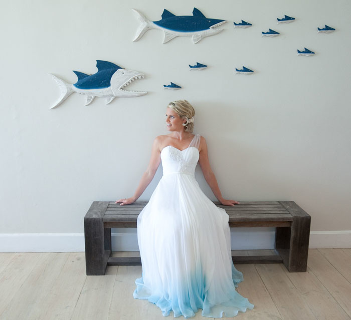 If you stay blank when choosing your wedding dress would you dare with color?