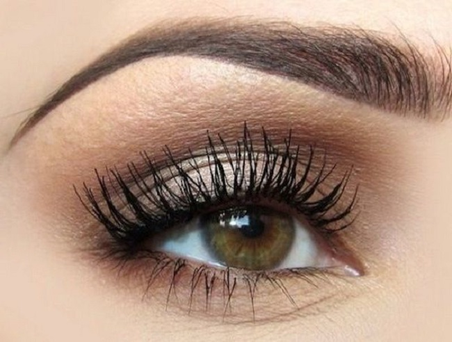 Eyelash extensions for perfect wedding make-up