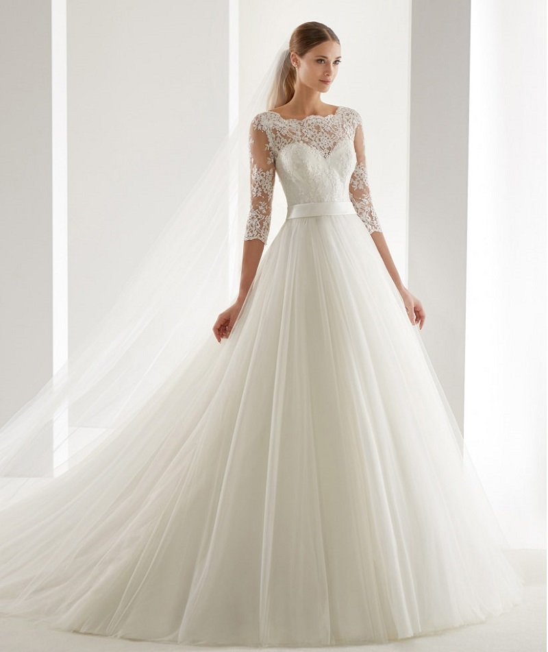 Wedding dresses with tattoo effect: the secret of sensuality beyond measure!