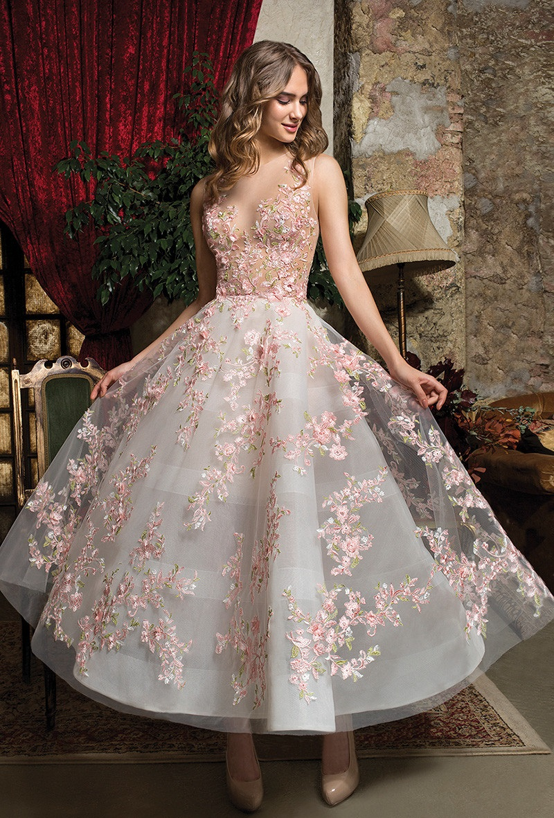 5 bridal looks perfect for a spring wedding