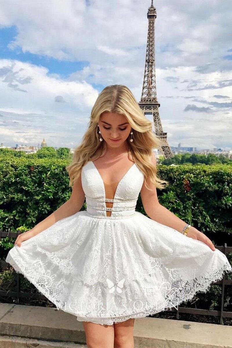 Urban style wedding? Choose a short wedding dress!