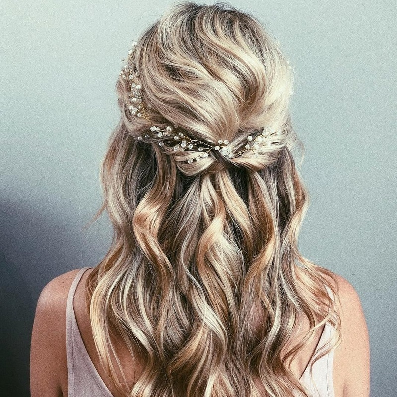 5 hairstyles for a wedding in autumn or winter
