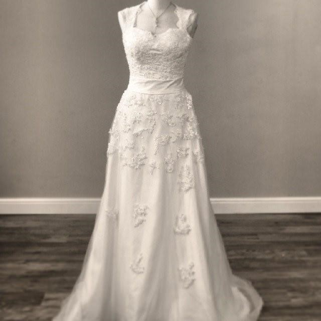 Buying a Vintage Wedding Dress: Insider Tips