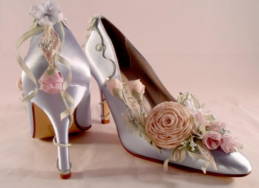 6 more things to consider when choosing your wedding shoes